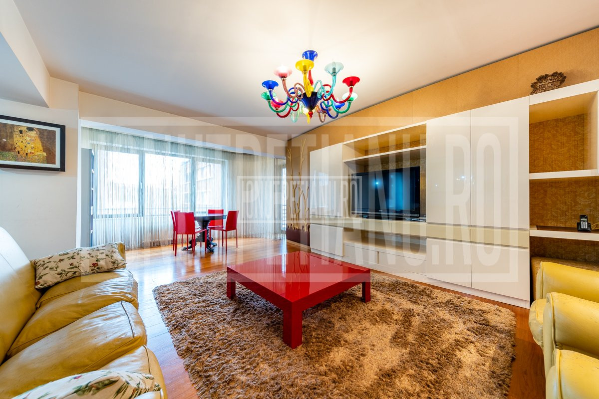 Luxury 3 bedroom 3 bath apartment
