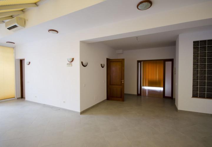 Apartament 4 camere vanzare Herastrau