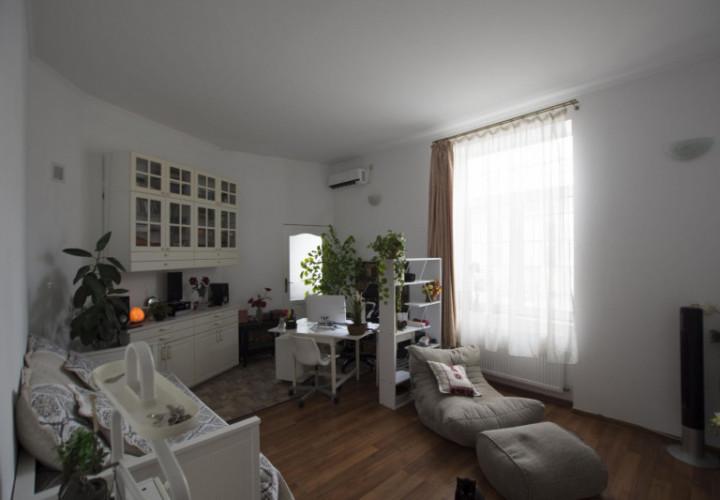 Piata Concordiei apartament in vila 152mp renovat, cu garaj