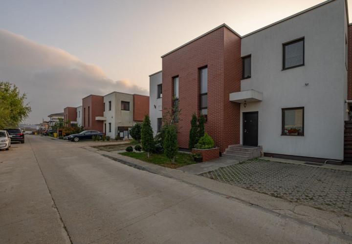 Vila Boutique 4 camere Otopeni, complet utilata si mobilata pe comanda.