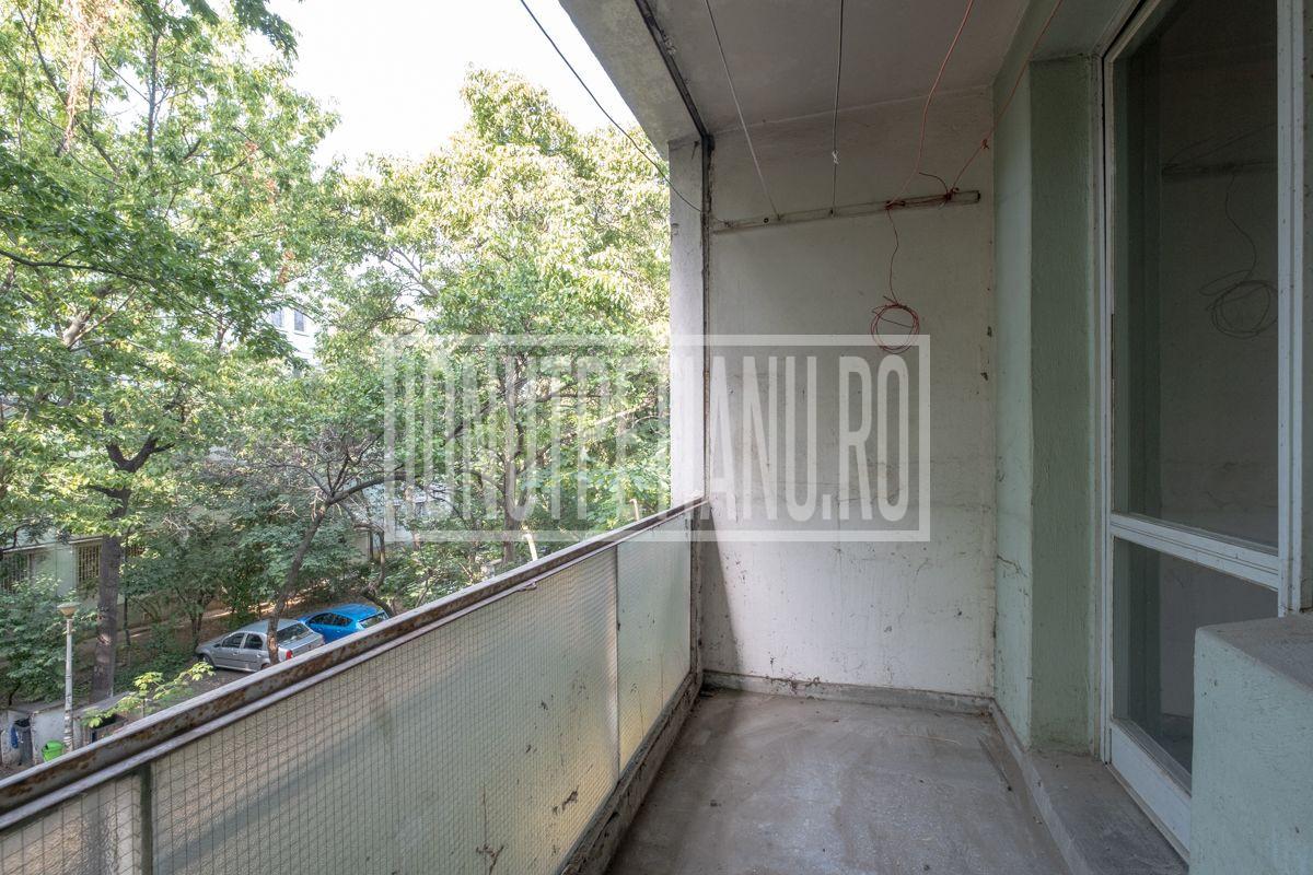 OPORTUNITATE! 3 camere metrou Valea Ialomitei nerenovat.